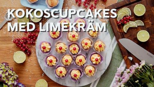 Kokoscupcakes med limekräm
