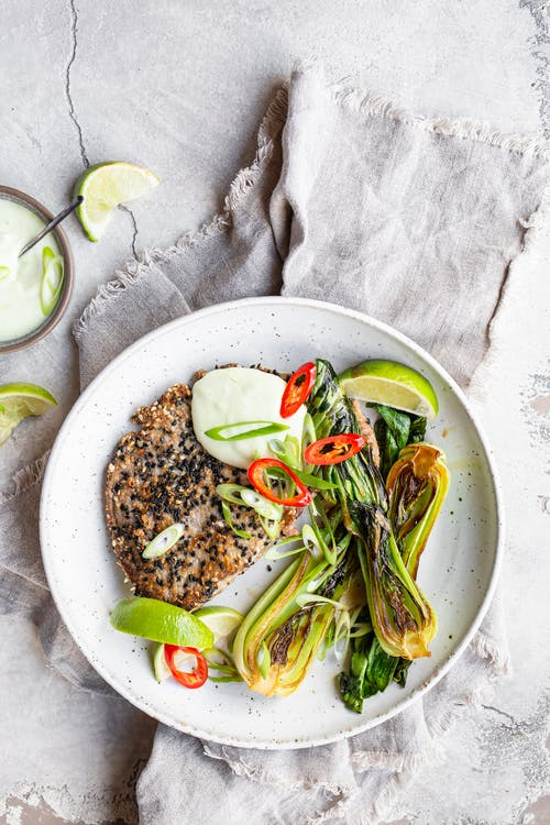 Färsk tonfisk med sesamcrust och wasabimayo