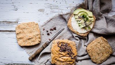 LCHF Breakfast by Fanny #8 – LessCarbs' Easy Bread