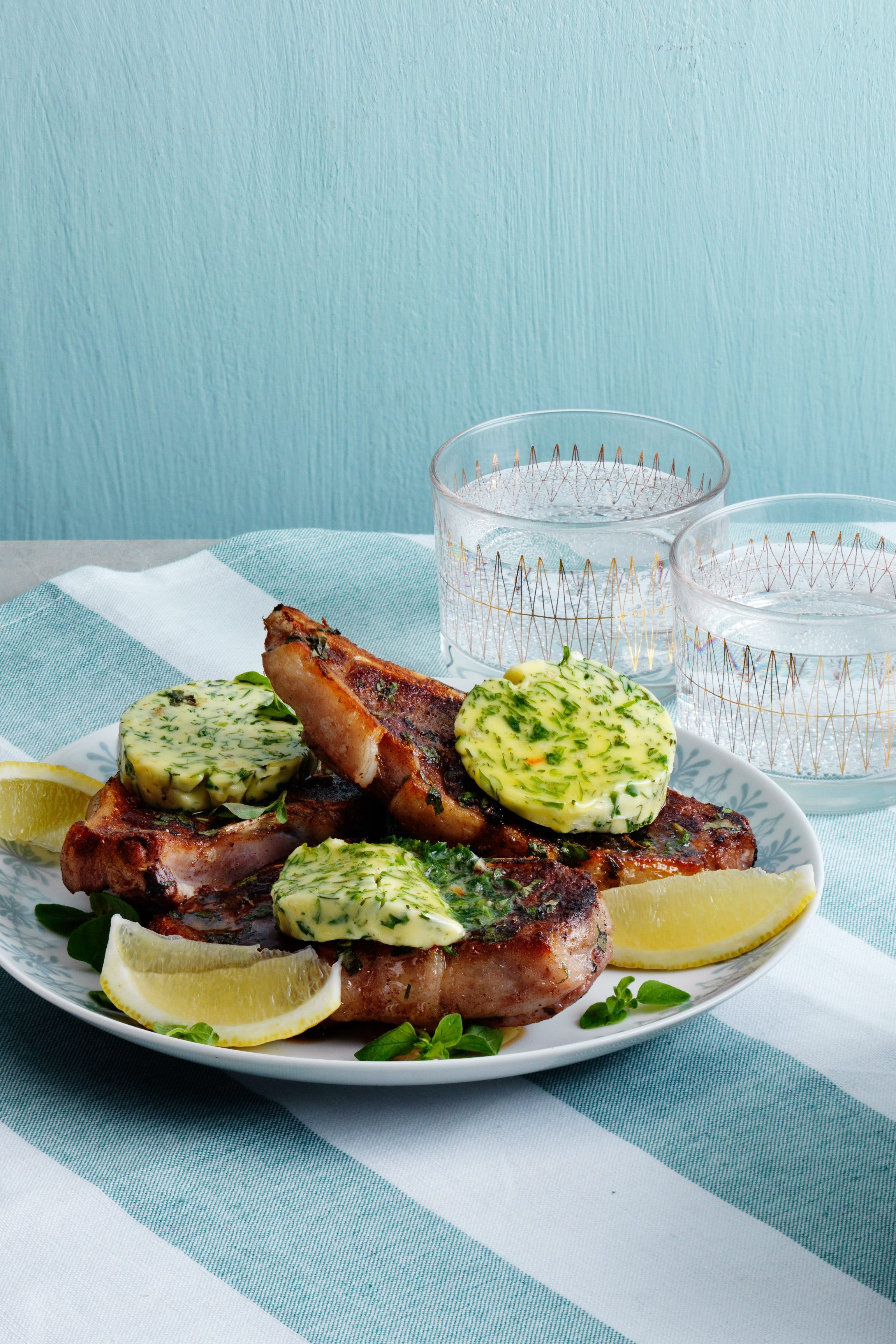 Keto lamb chops with herb butter