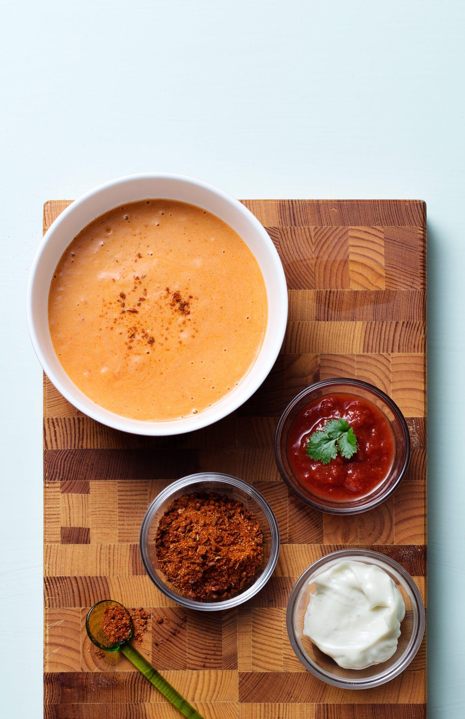 Low-carb salsa dressing