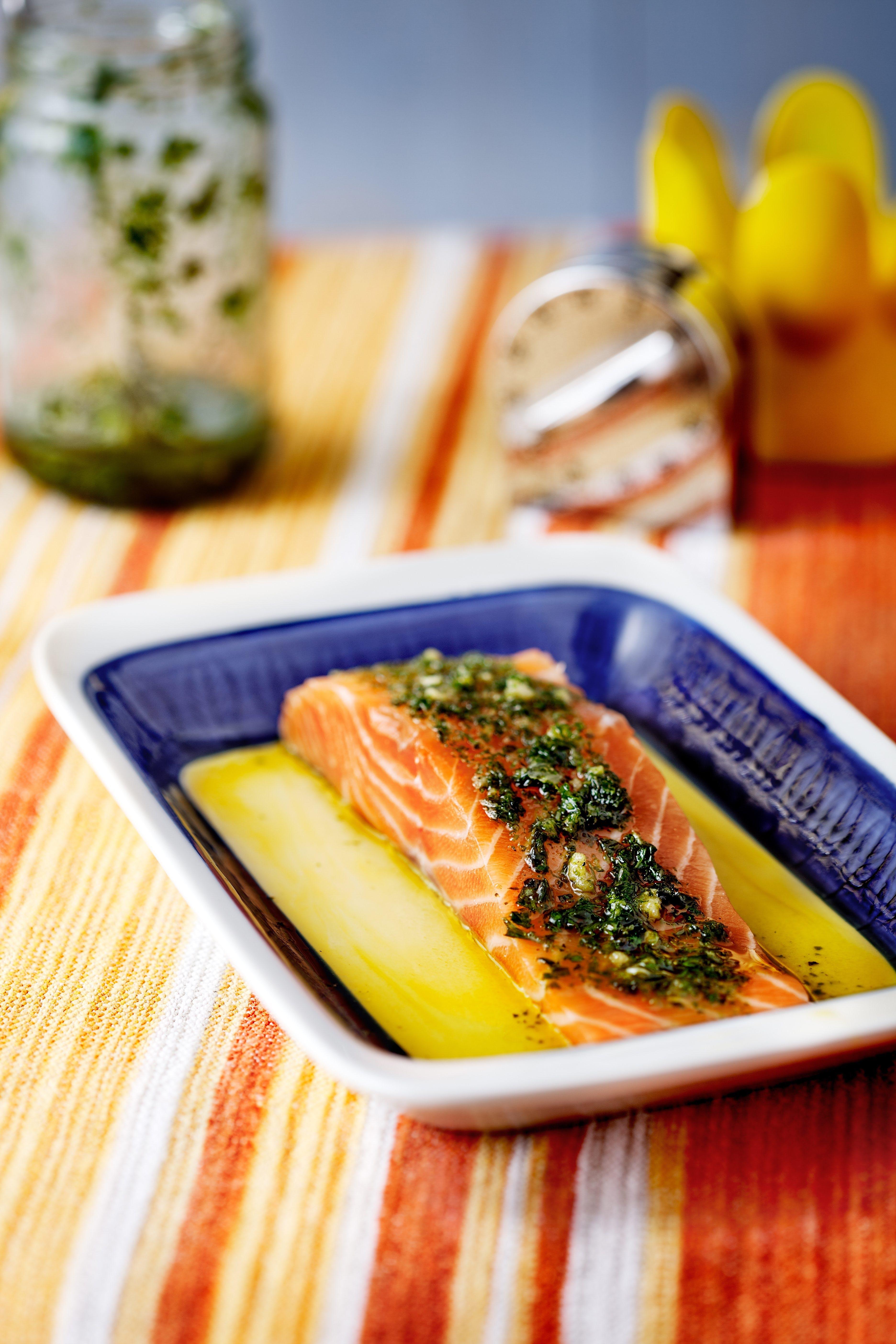 Keto baked salmon with pesto