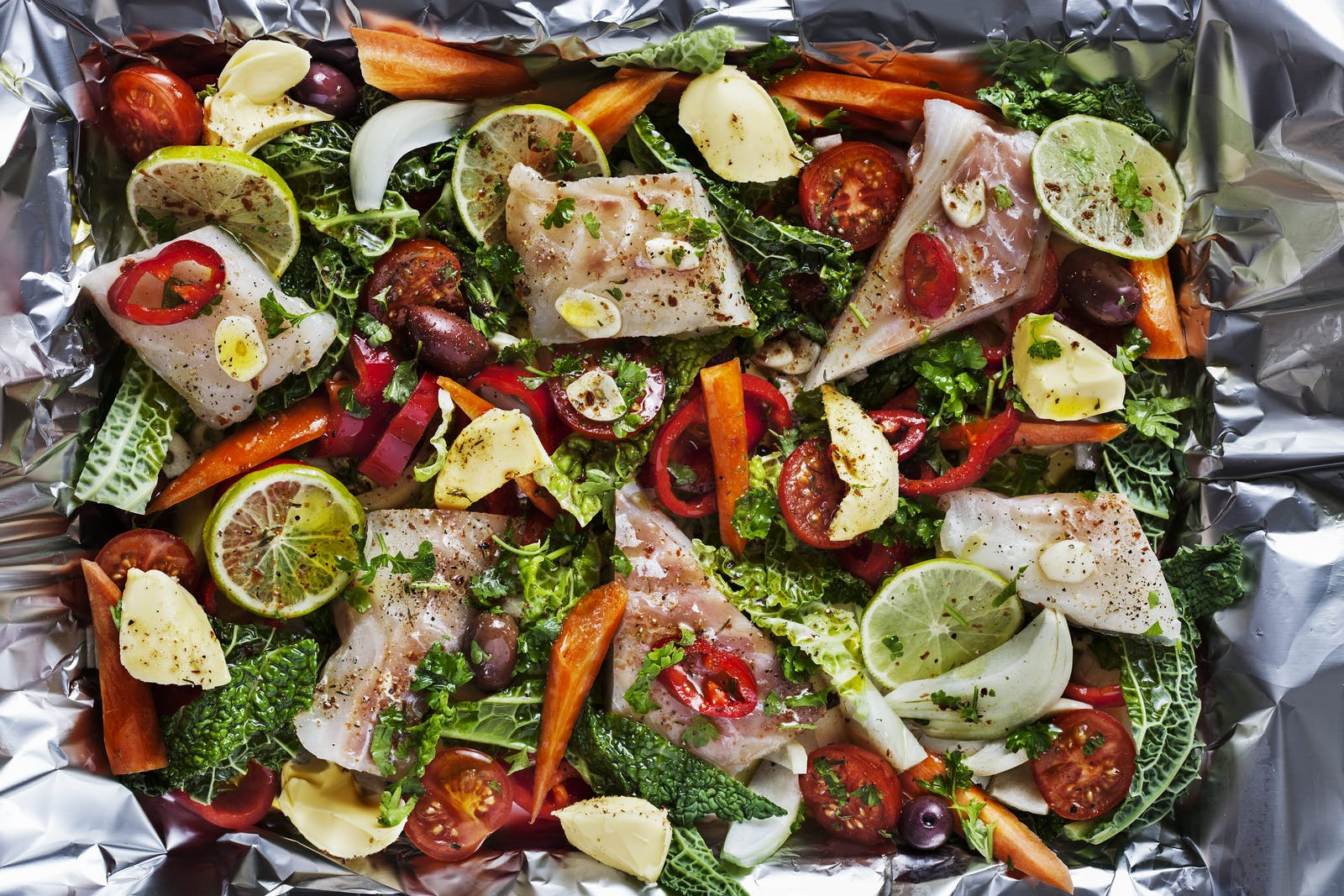 Fish with vegetables baked in foil diet doctor for Fish and veggie diet