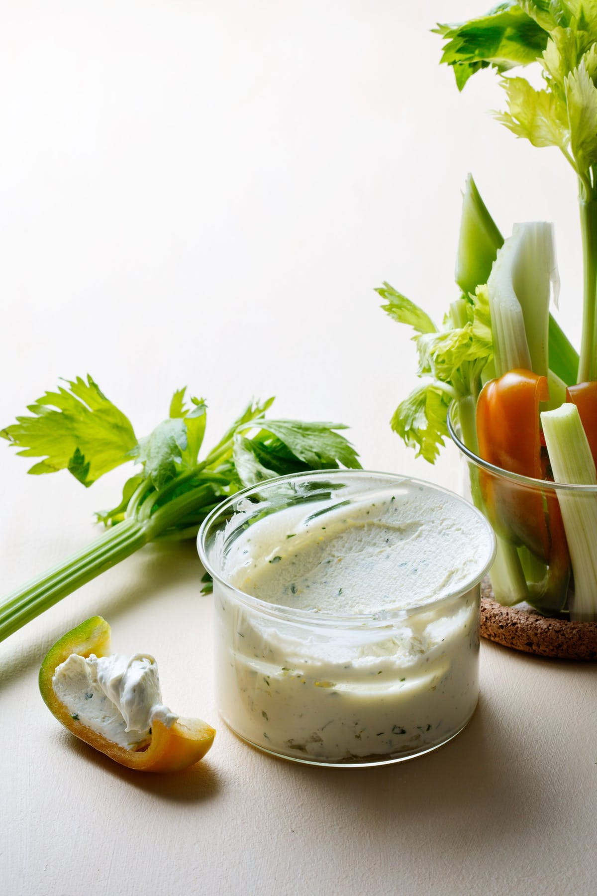 Low-carb cream cheese with herbs