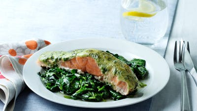 Keto salmon with pesto and spinach