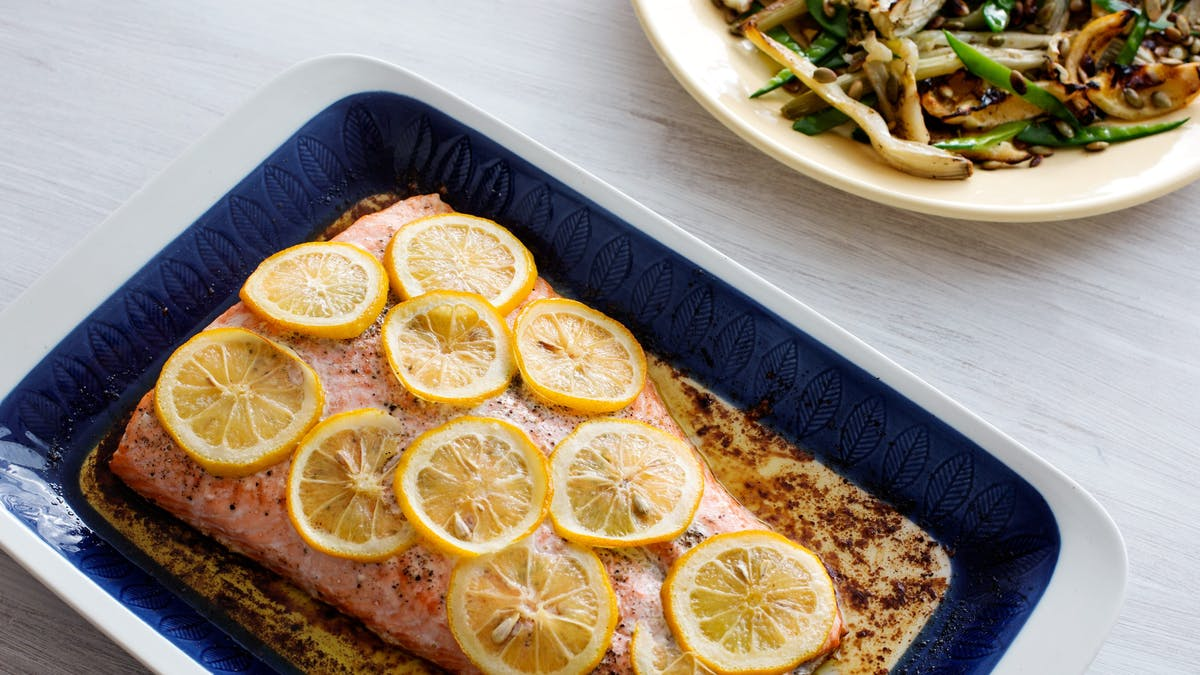 Keto baked salmon with lemon and butter