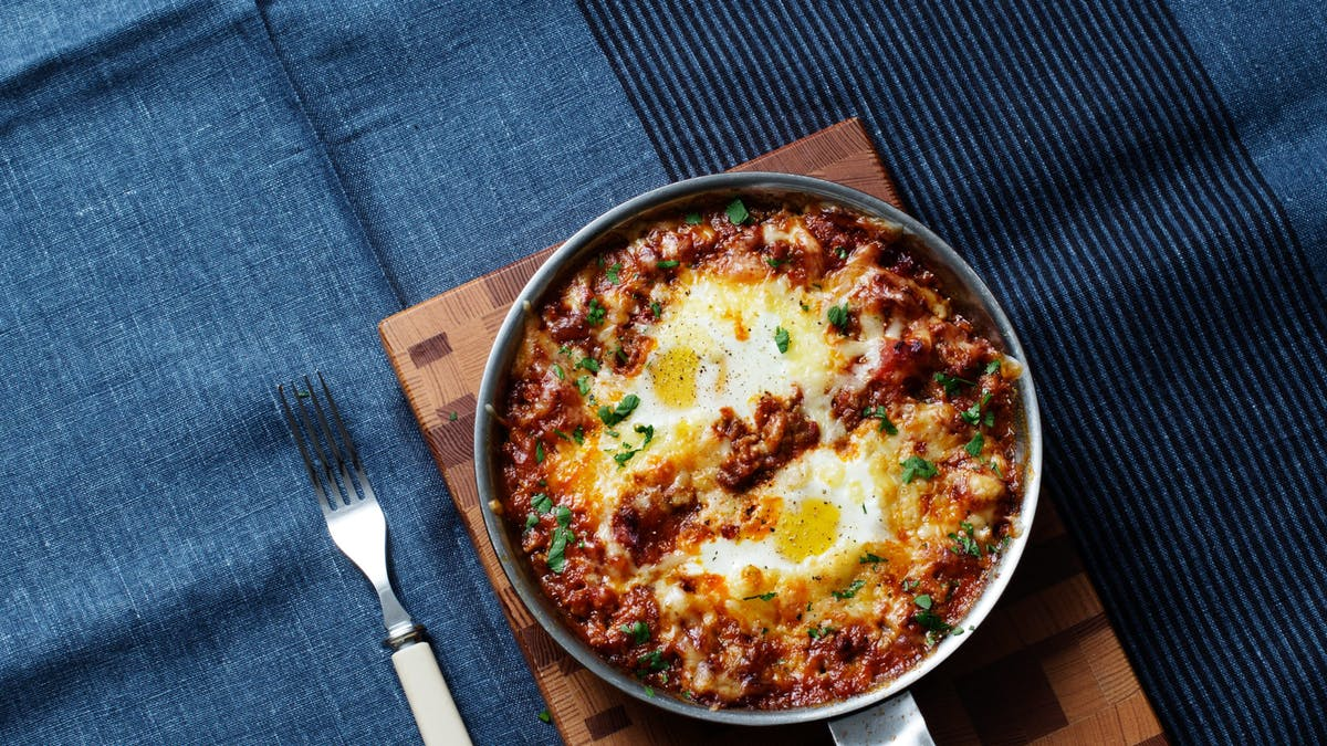 Low-carb baked eggs