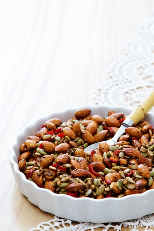 Spicy almond and seed mix