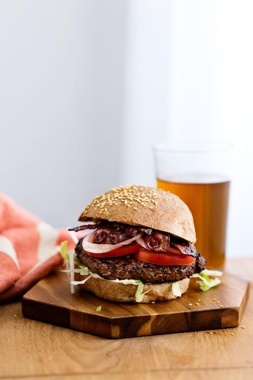Classic keto hamburger