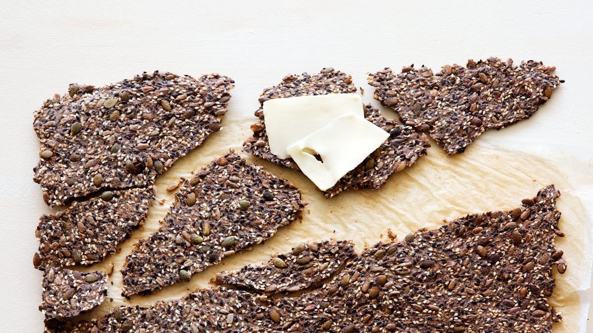 Low-carb seed crackers