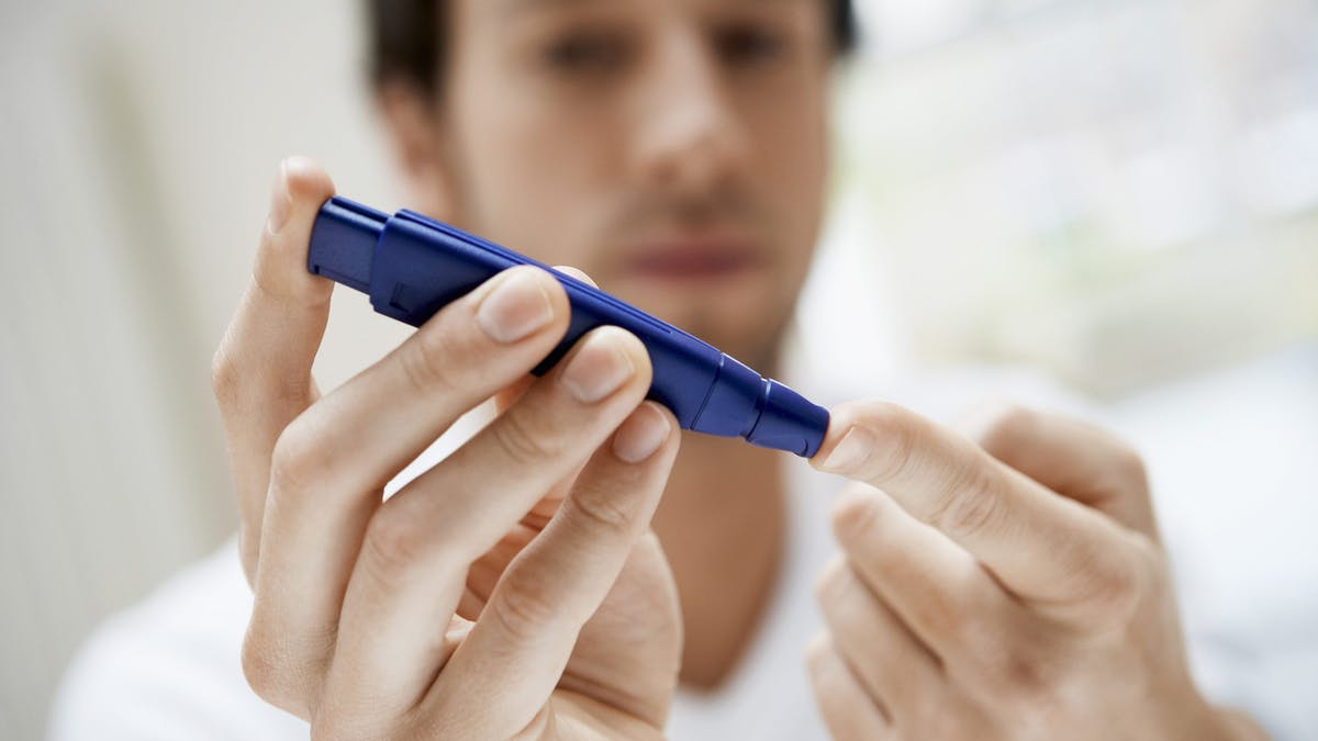 Managing blood sugar in type 1 diabetes by eating low carb