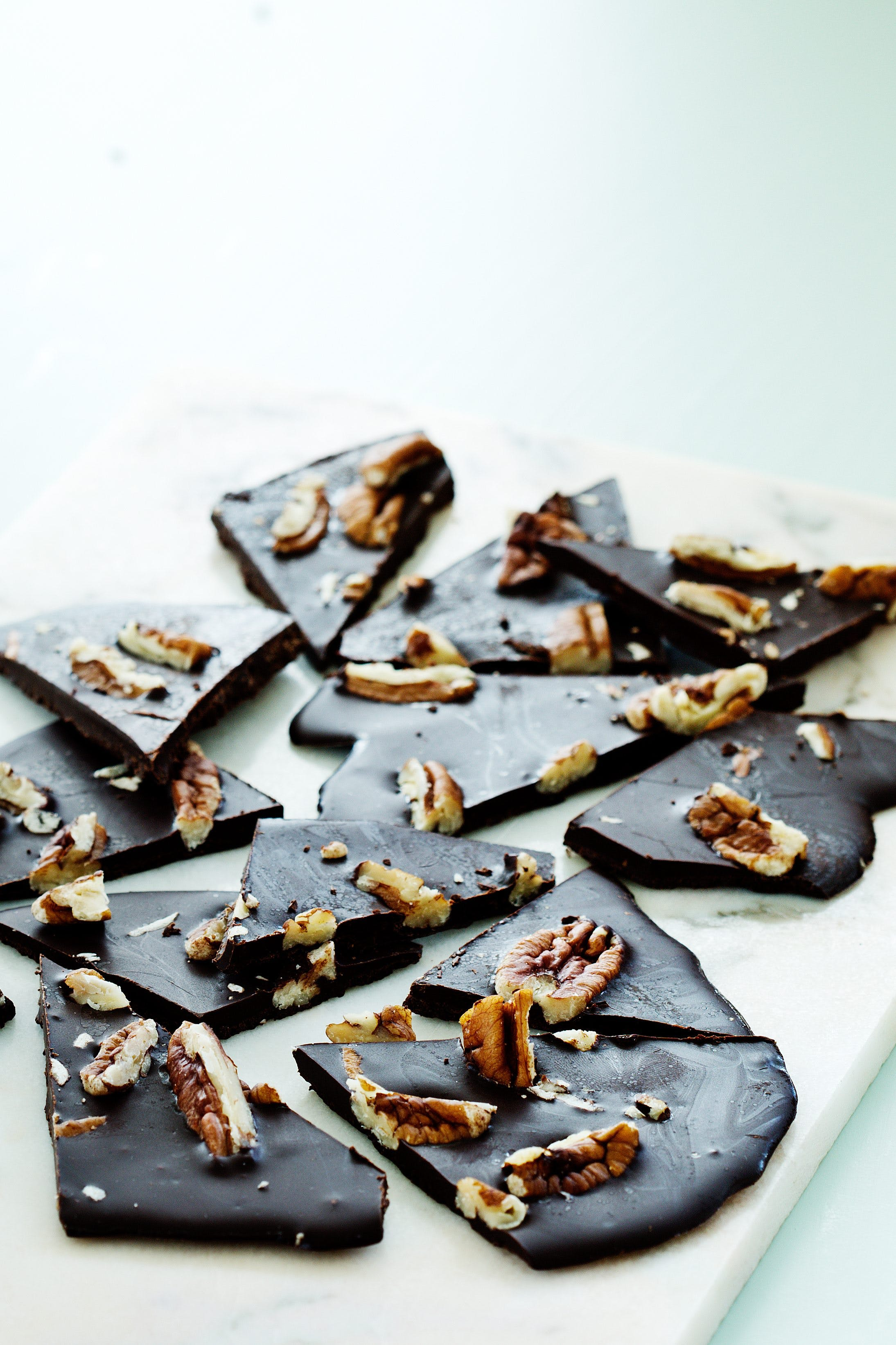 Pecan chocolate thins