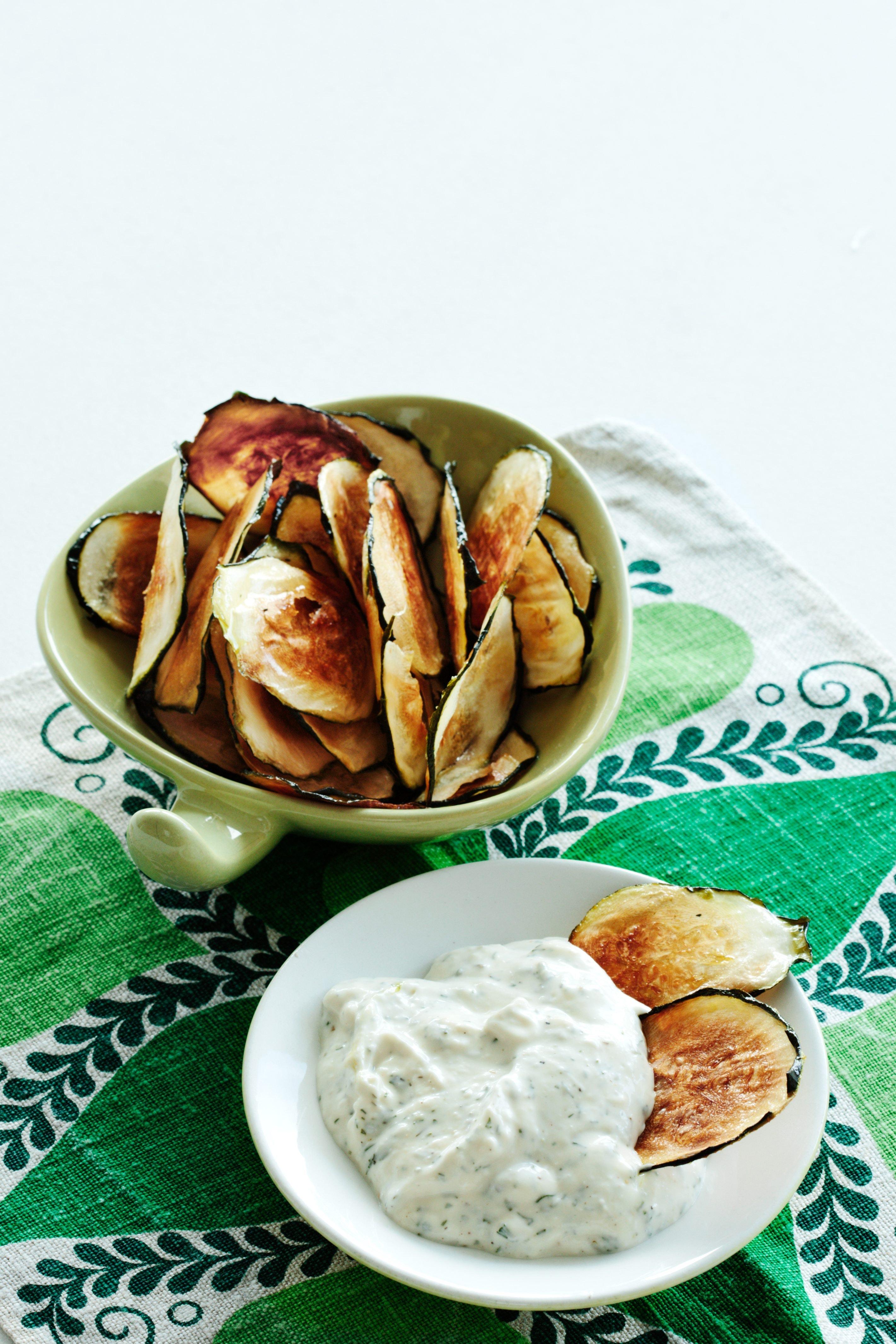 Zucchini parmesan chips rezept
