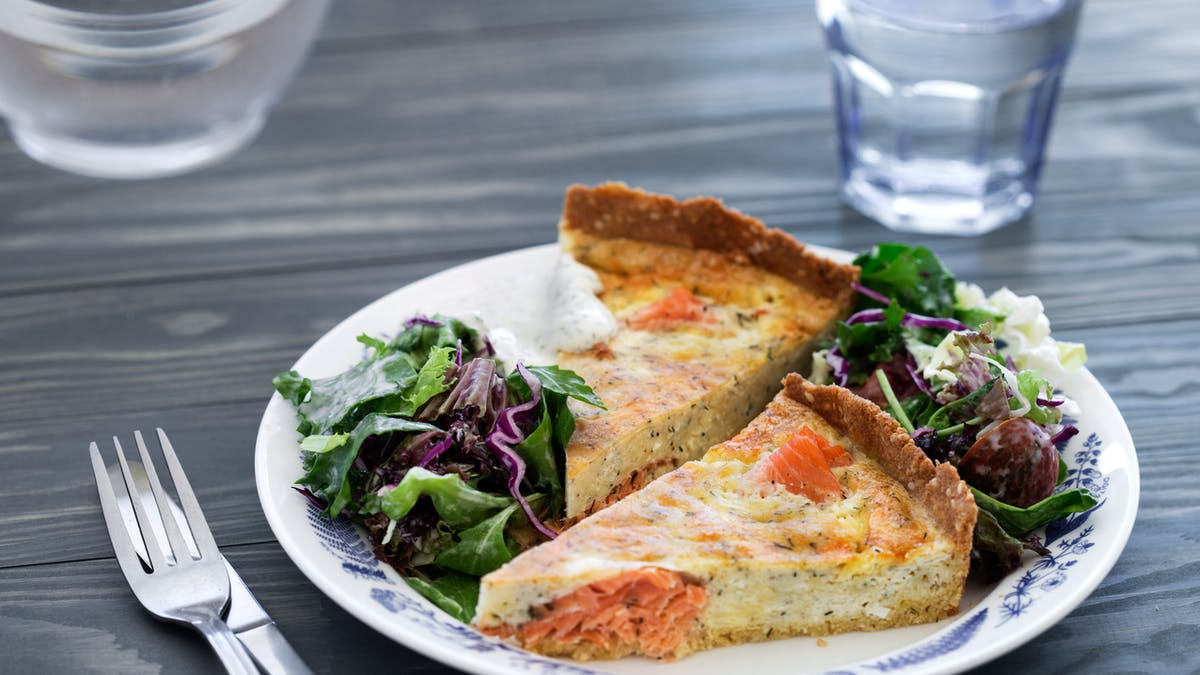 Keto salmon pie
