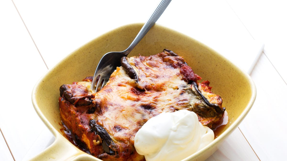 Low-carb eggplant roll-ups