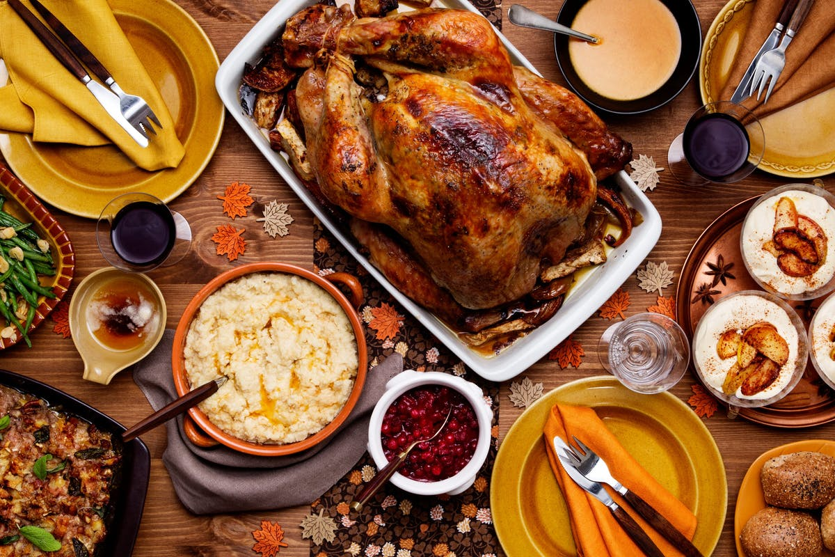 A happy and healthy keto and low-carb Thanksgiving