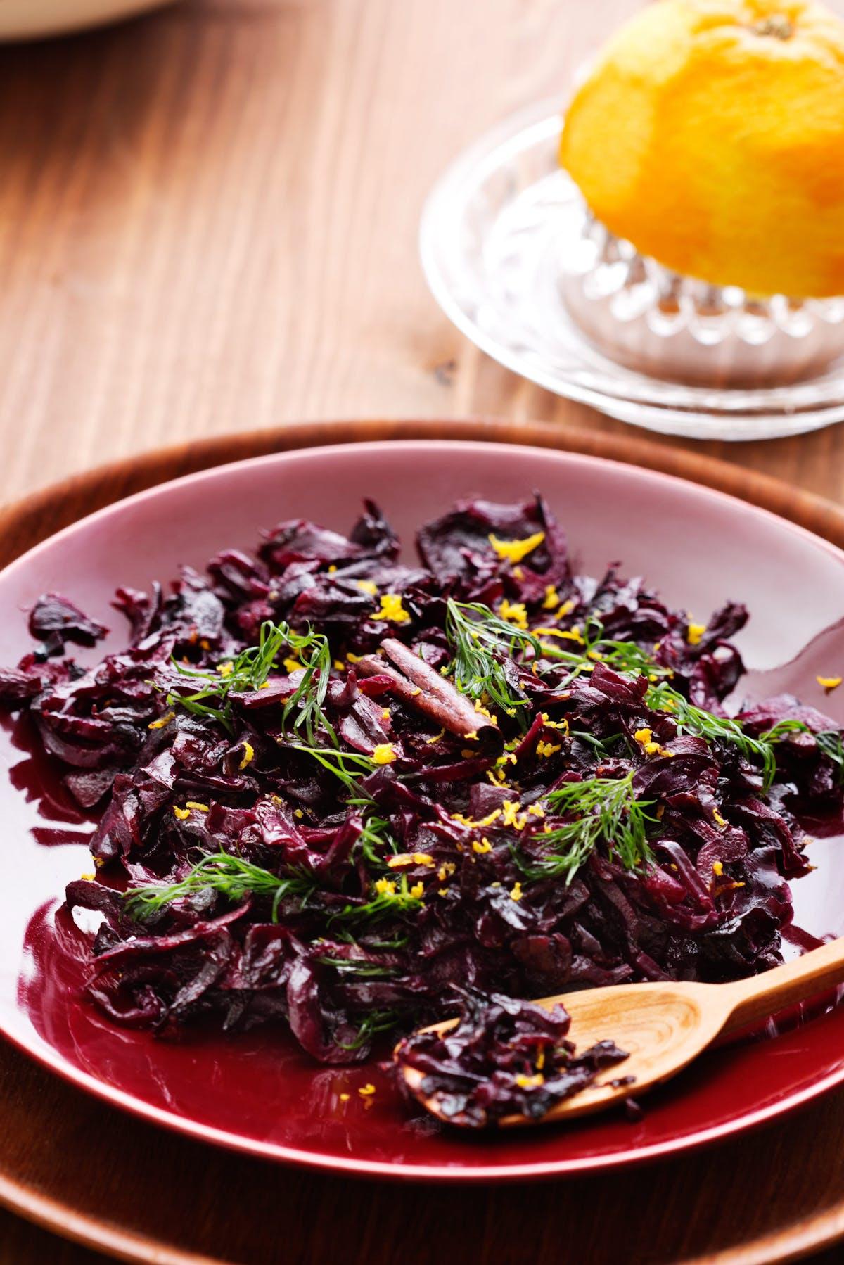 Oriental red cabbage salad