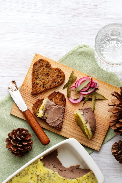 Keto chicken liver paté with thyme butter