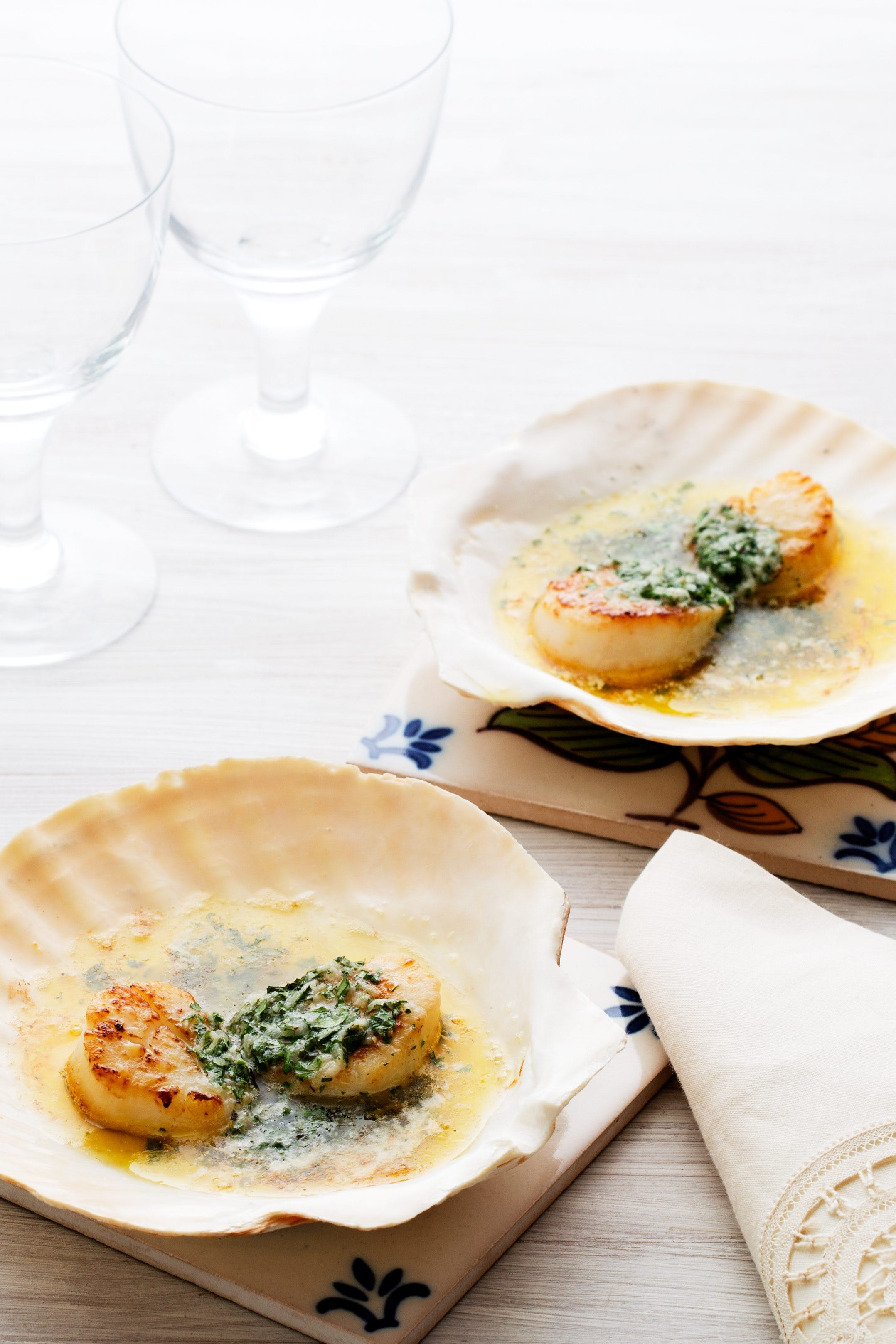Keto scallops with herb butter