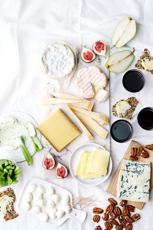 Low-carb cheese platter