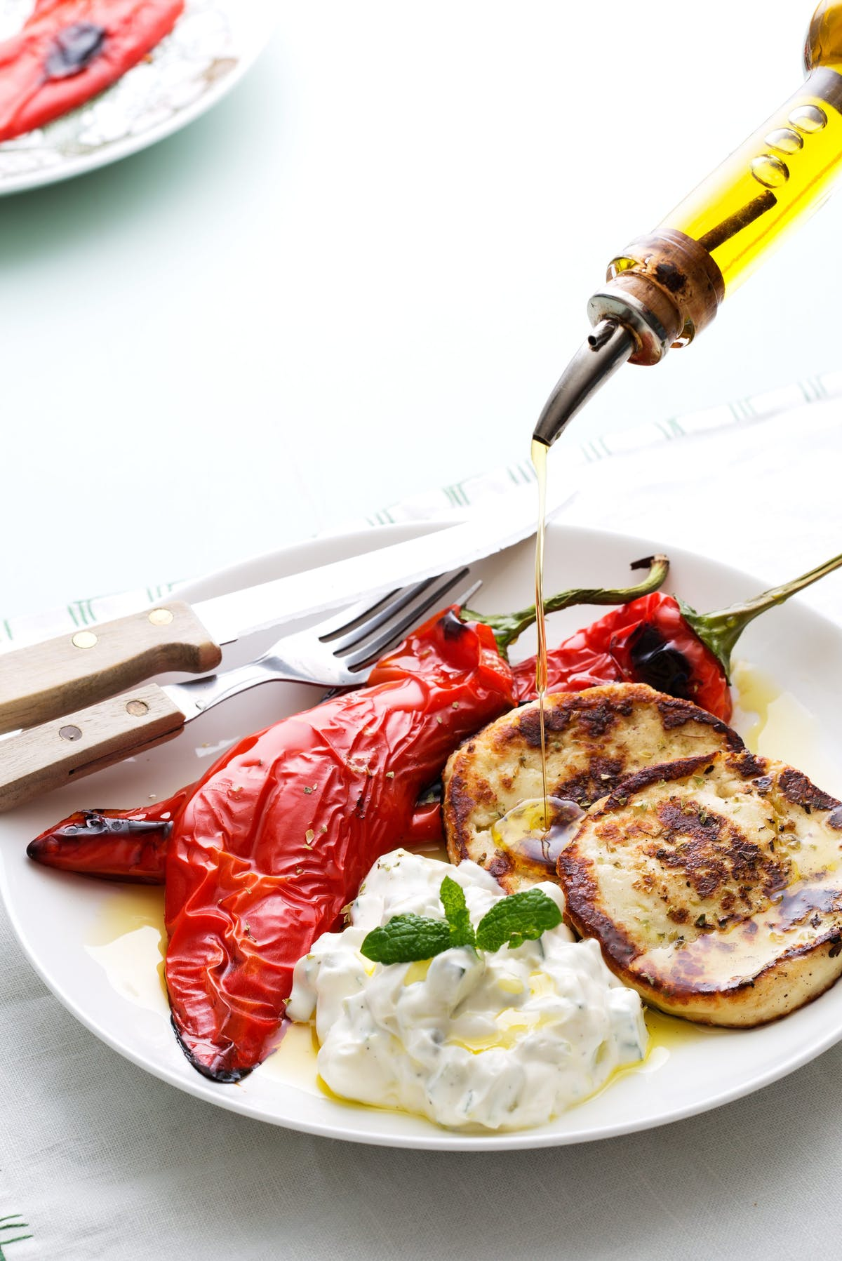 Fried halloumi with roasted peppers