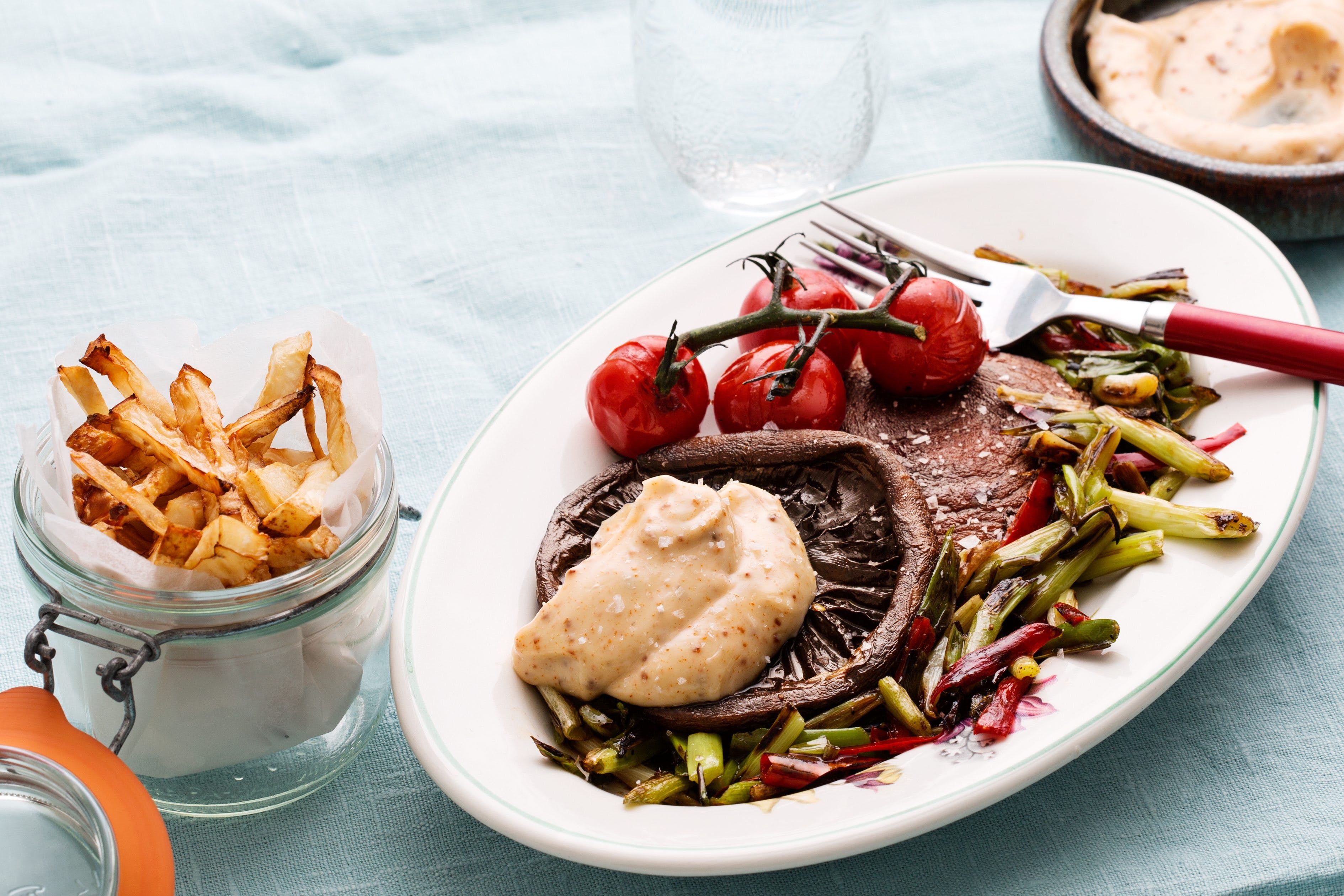 Portabello mushrooms with fries and aioli