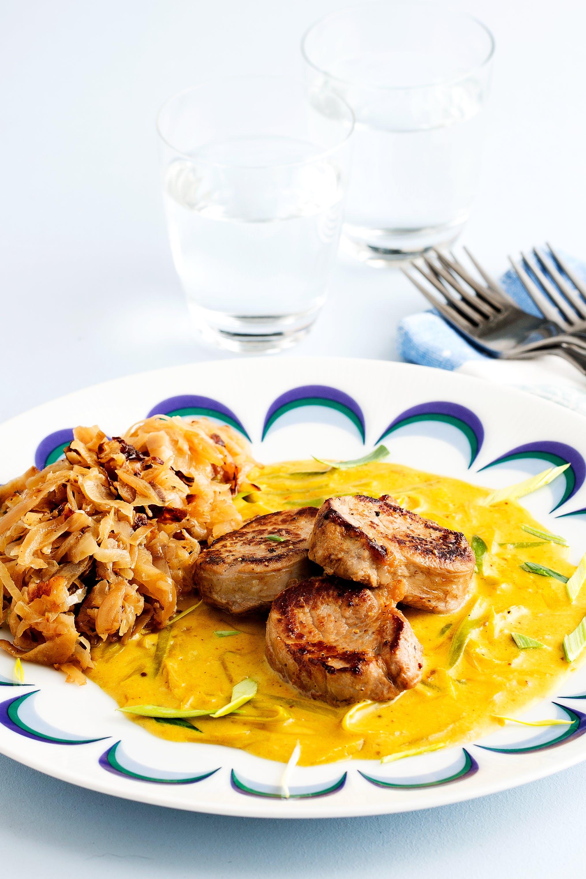 Pork tenderloin with curry sauce