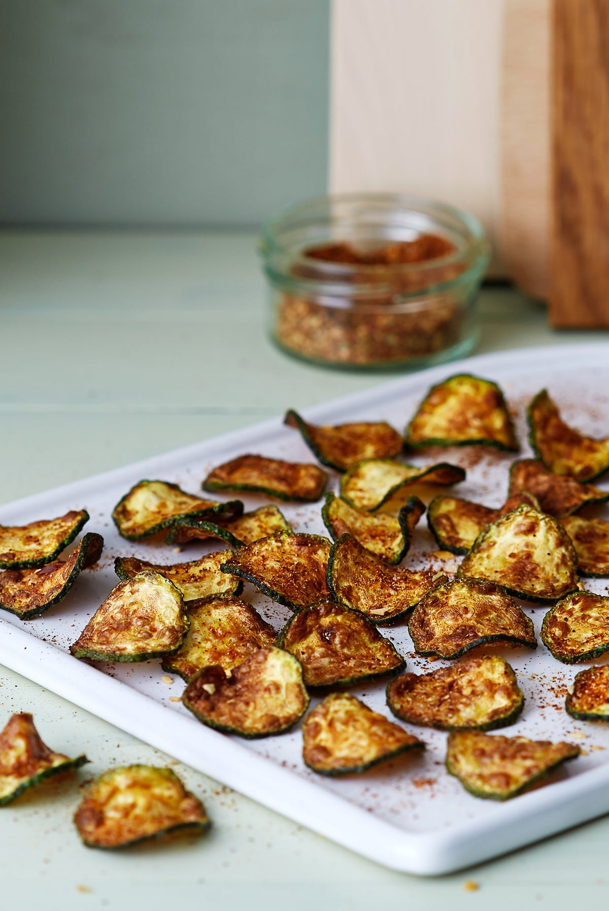 Low-carb zucchini nacho chips
