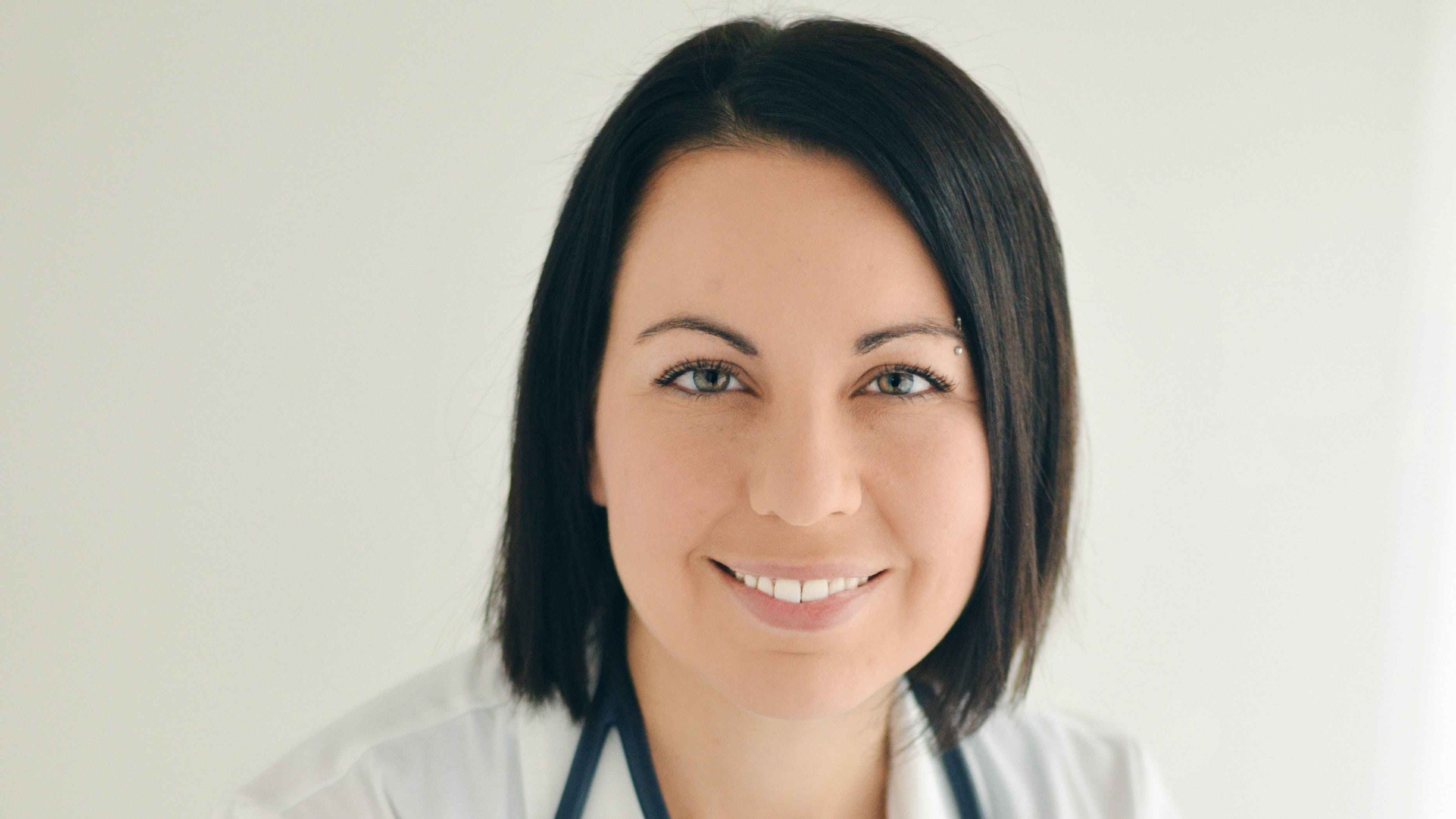 Dr. Evelyne Bourdua-Roy, MD