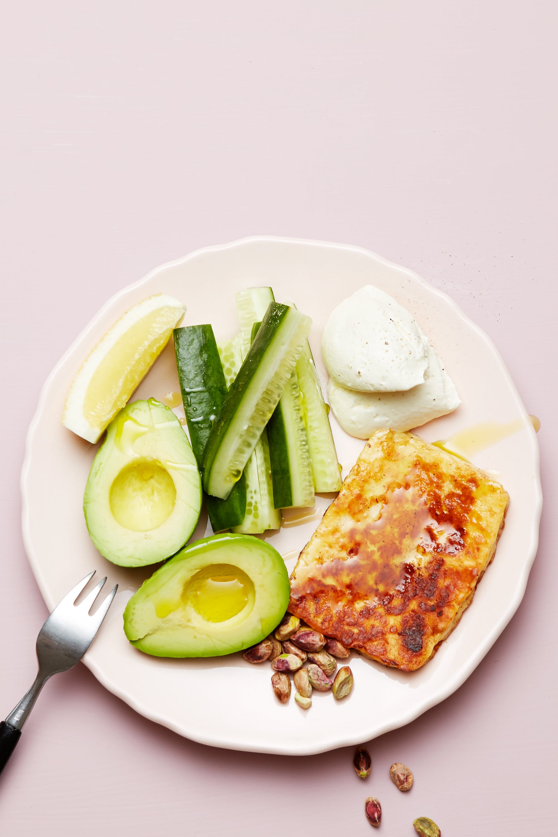 Keto halloumi cheese and avocado plate