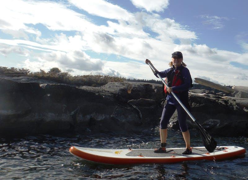 Anne paddle board