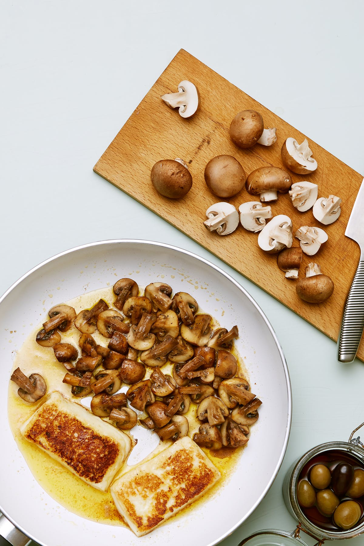 Keto fried halloumi cheese with mushrooms