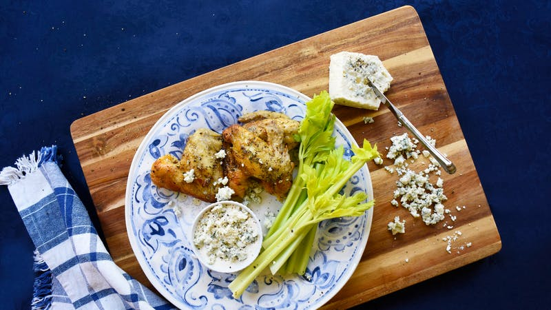 Chicken wings with blue cheese dressing