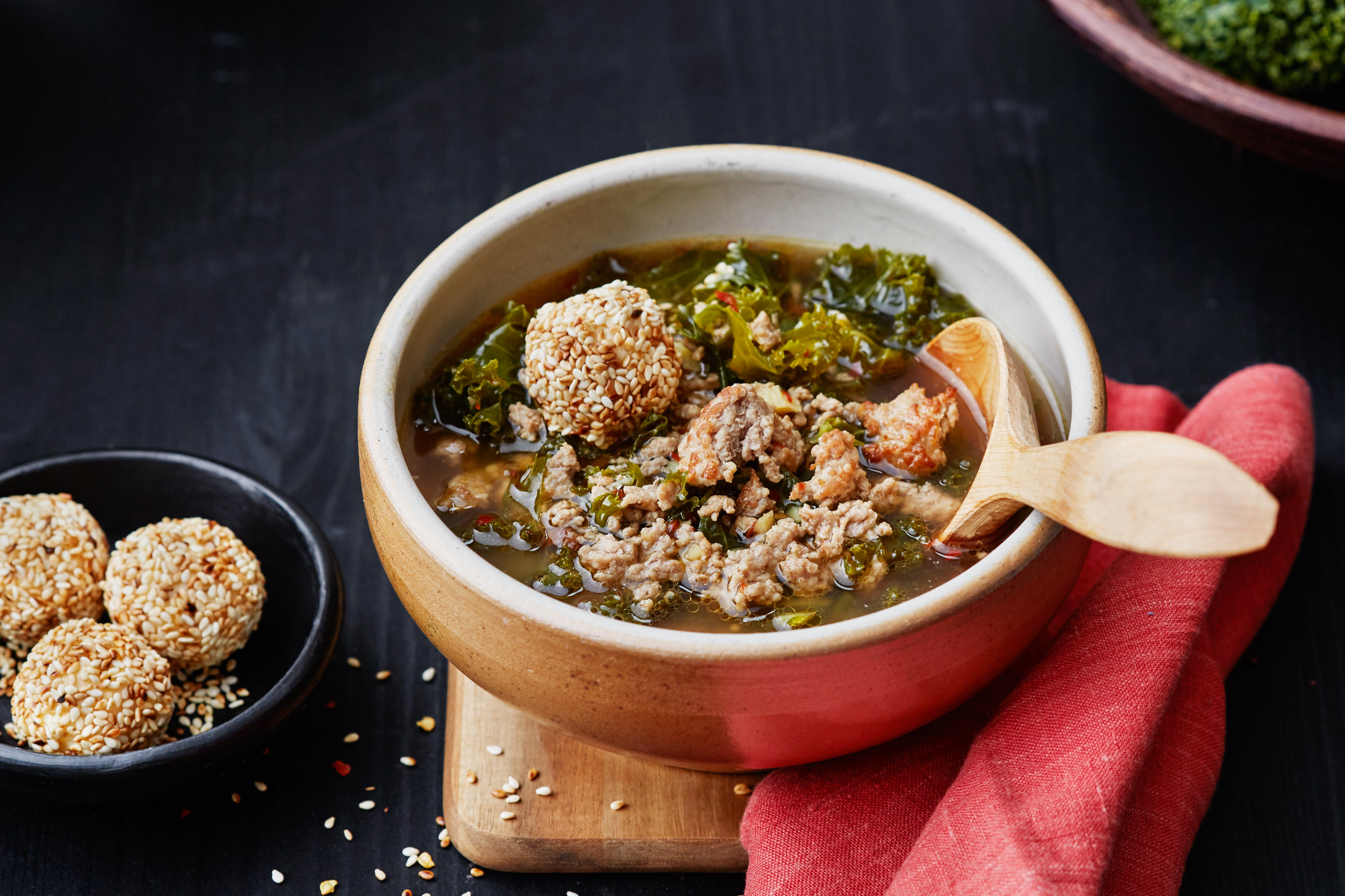 Spicy keto pork and kale soup