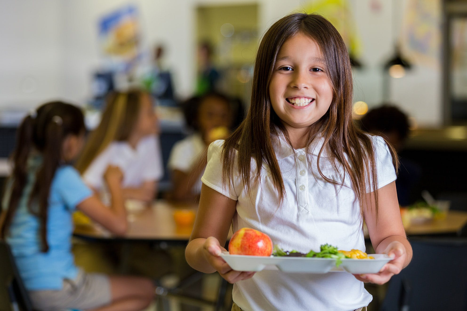 """Healthy school kids in Argentina eating food """"low in carbohydrates"""""""