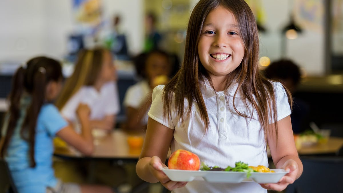 "Healthy school kids in Argentina eating food ""low in carbohydrates"""