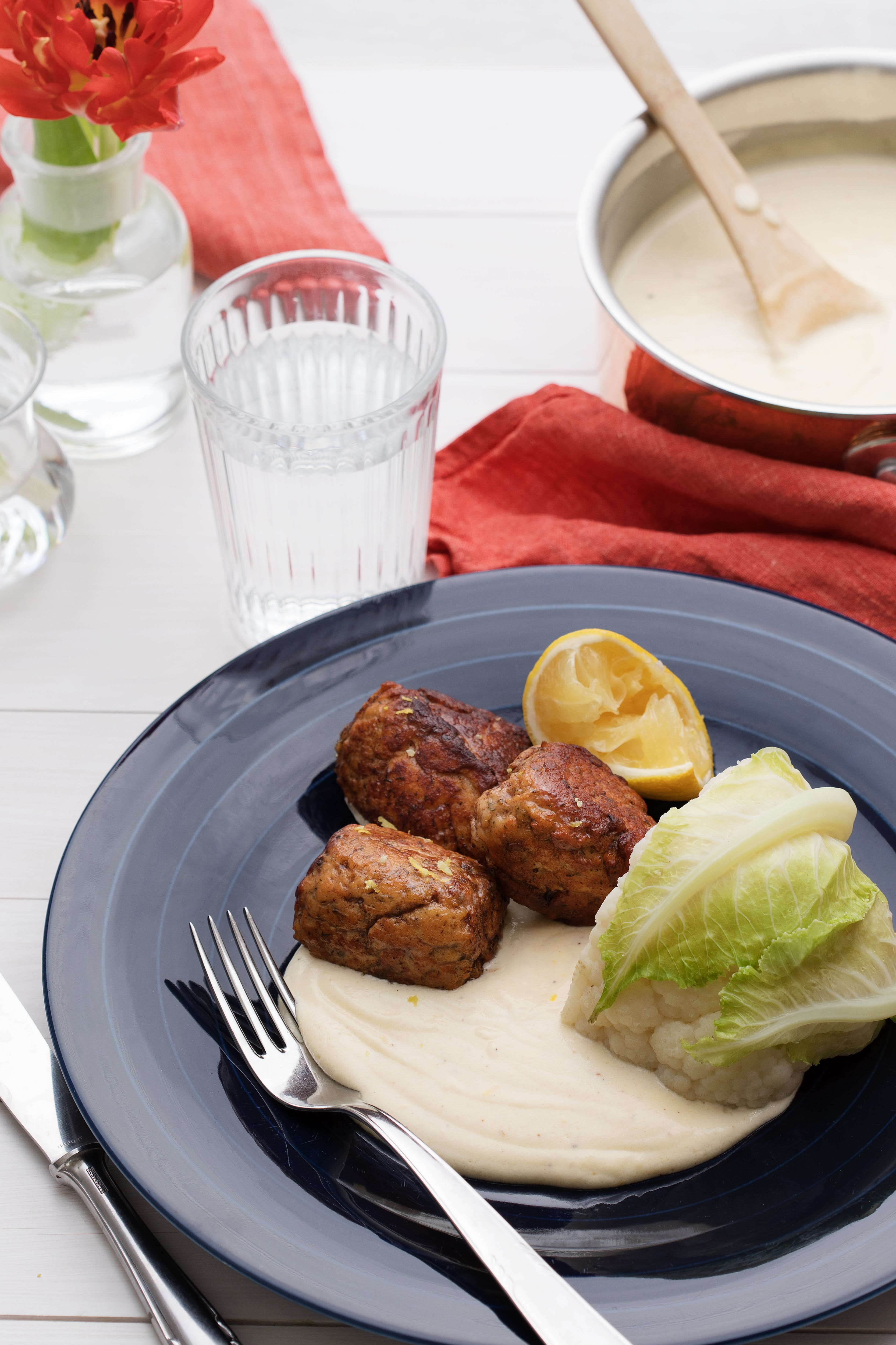 Salmon meatballs with lemon béchamel sauce