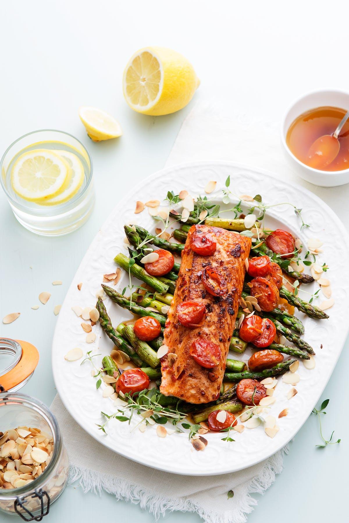 Keto chili salmon with tomato and asparagus