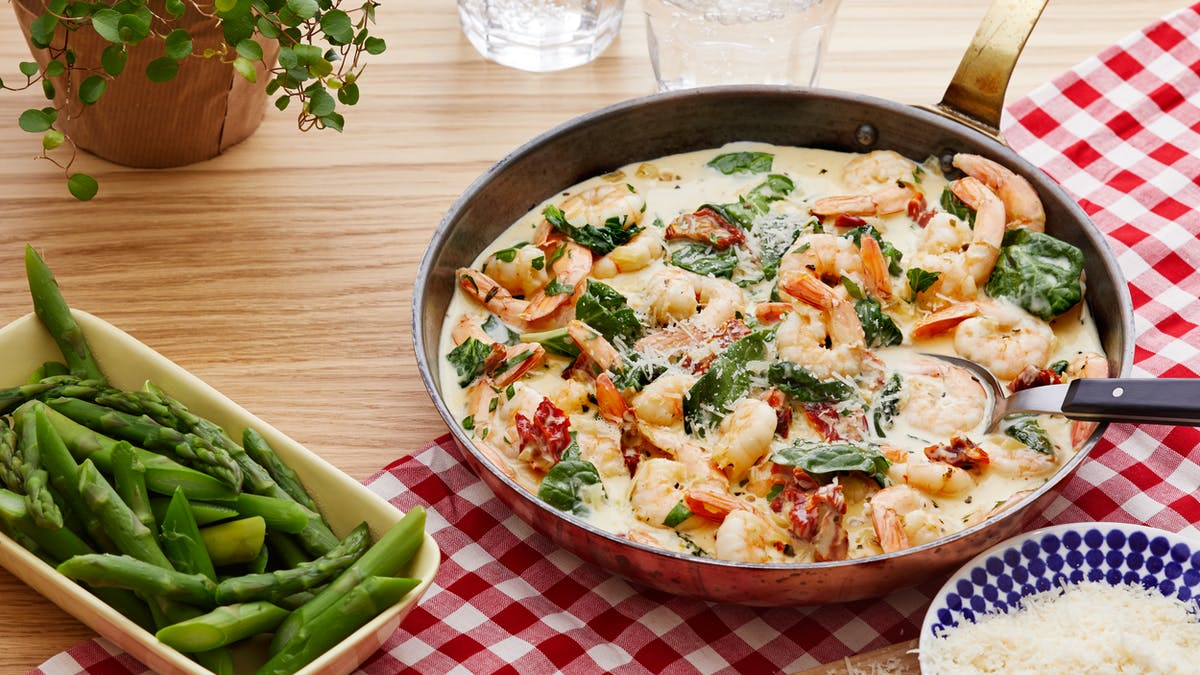 Creamy low-carb Tuscan shrimp