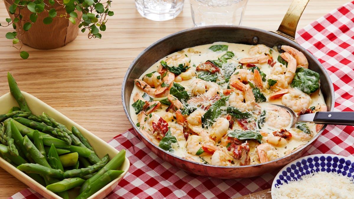 Creamy low-carb Tuscan shrimp