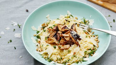 Creamy low-carb cauliflower mushroom risotto