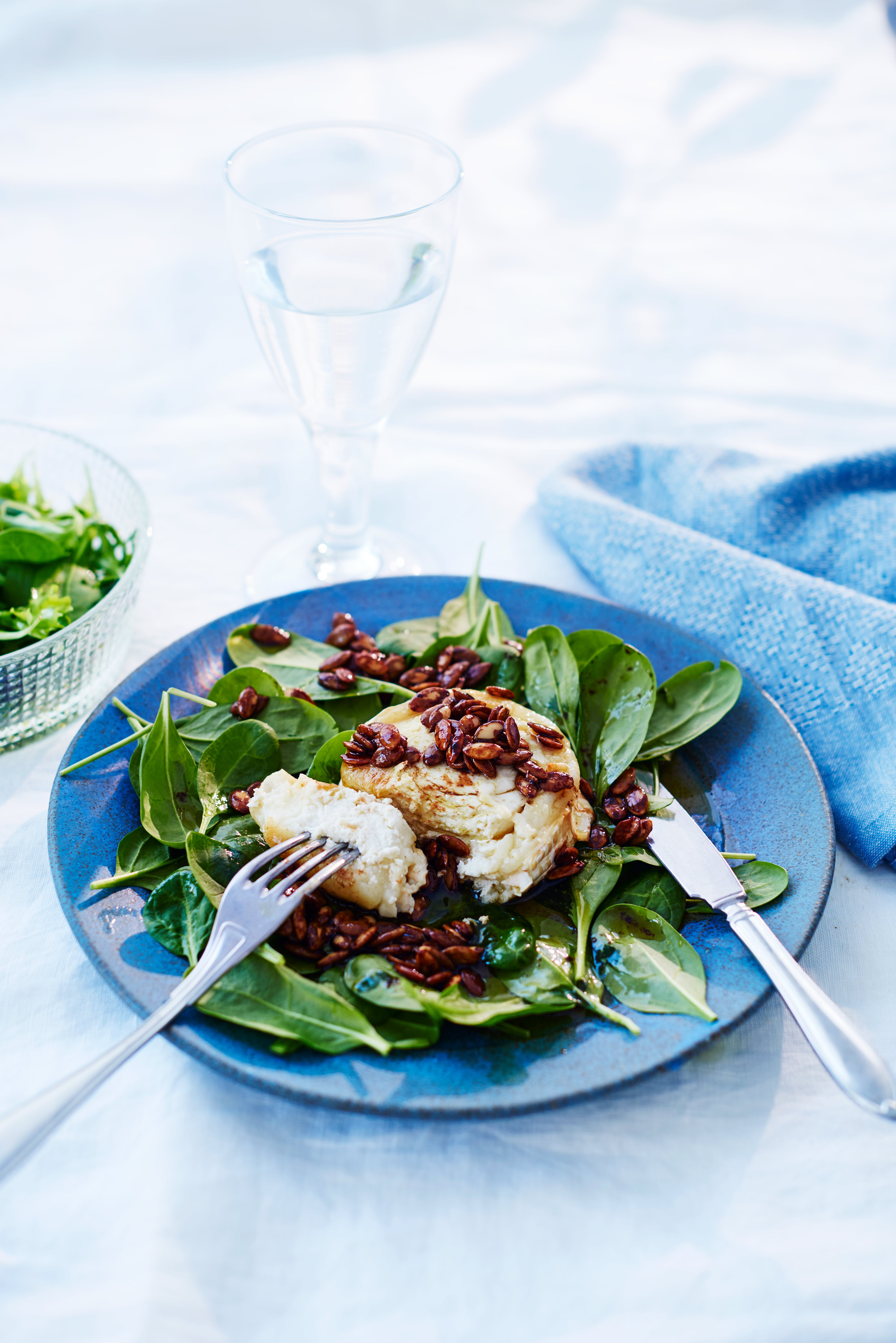 Goat cheese salad with balsamico butter