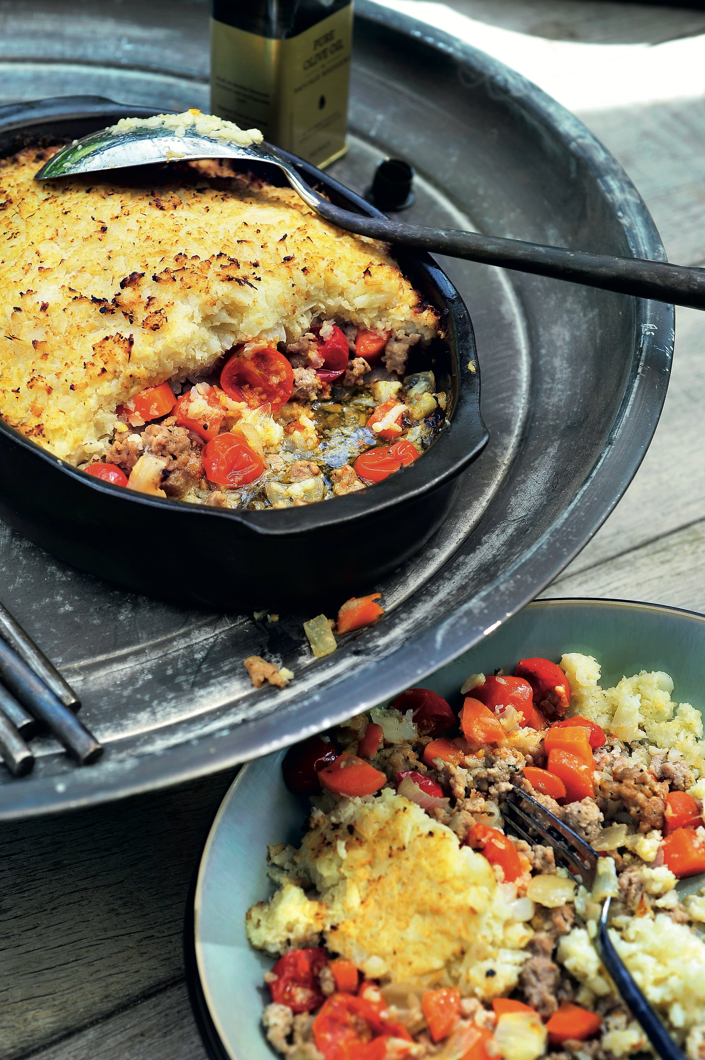 Ground beef and tomato bake with cauliflower topping
