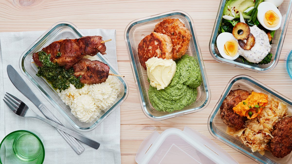 Packed low-carb and keto lunches