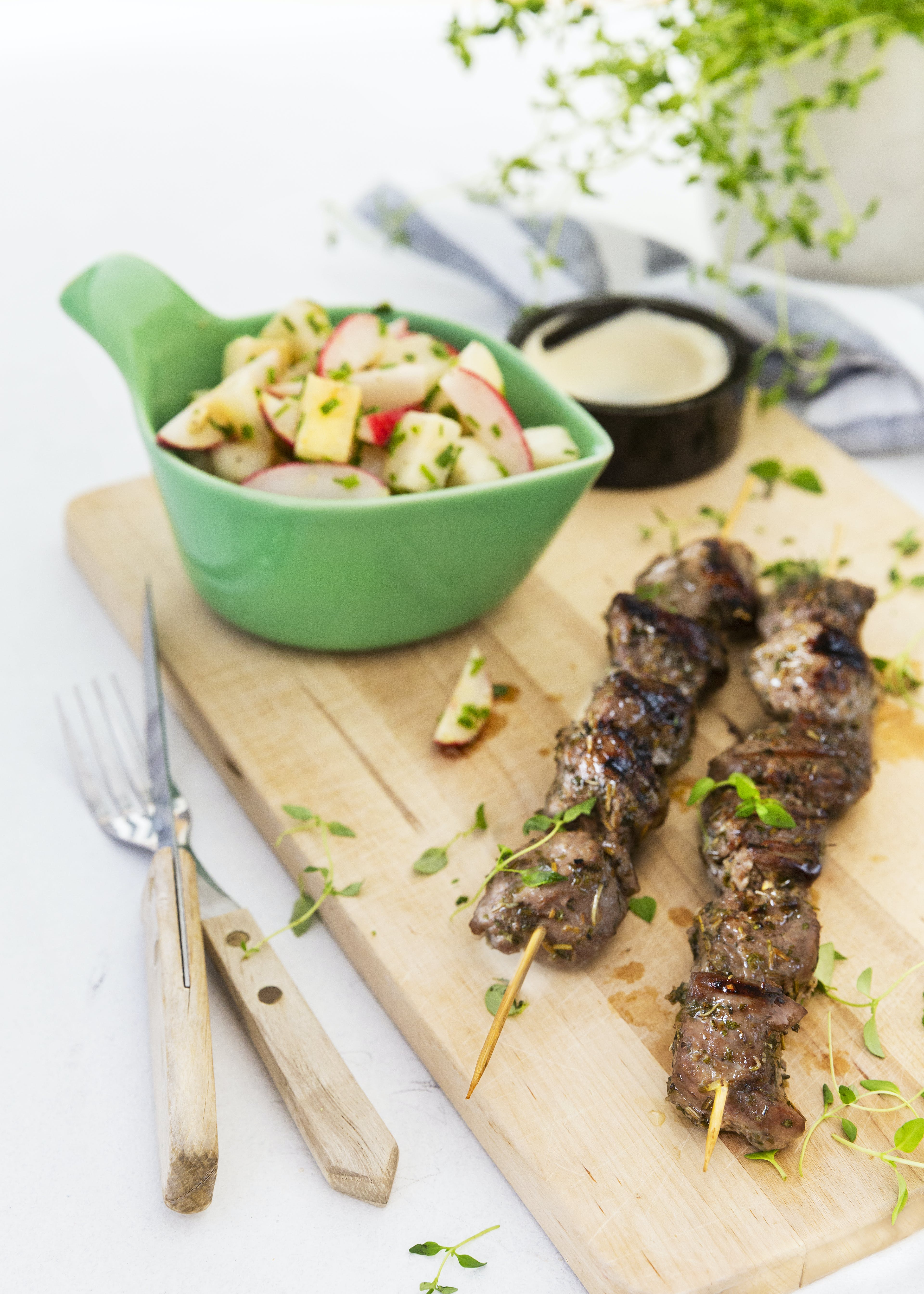 Lemon lamb skewers with keto radish and daikon salad