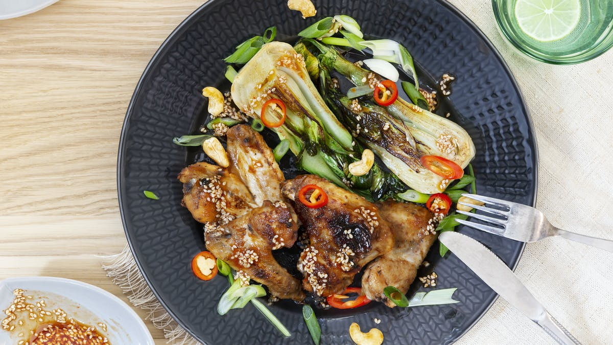 Low-carb Asian style chicken wings