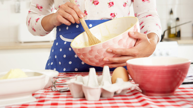 woman_baking