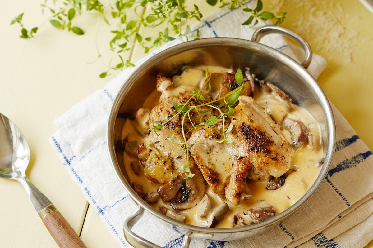 Keto garlic mushroom chicken thighs