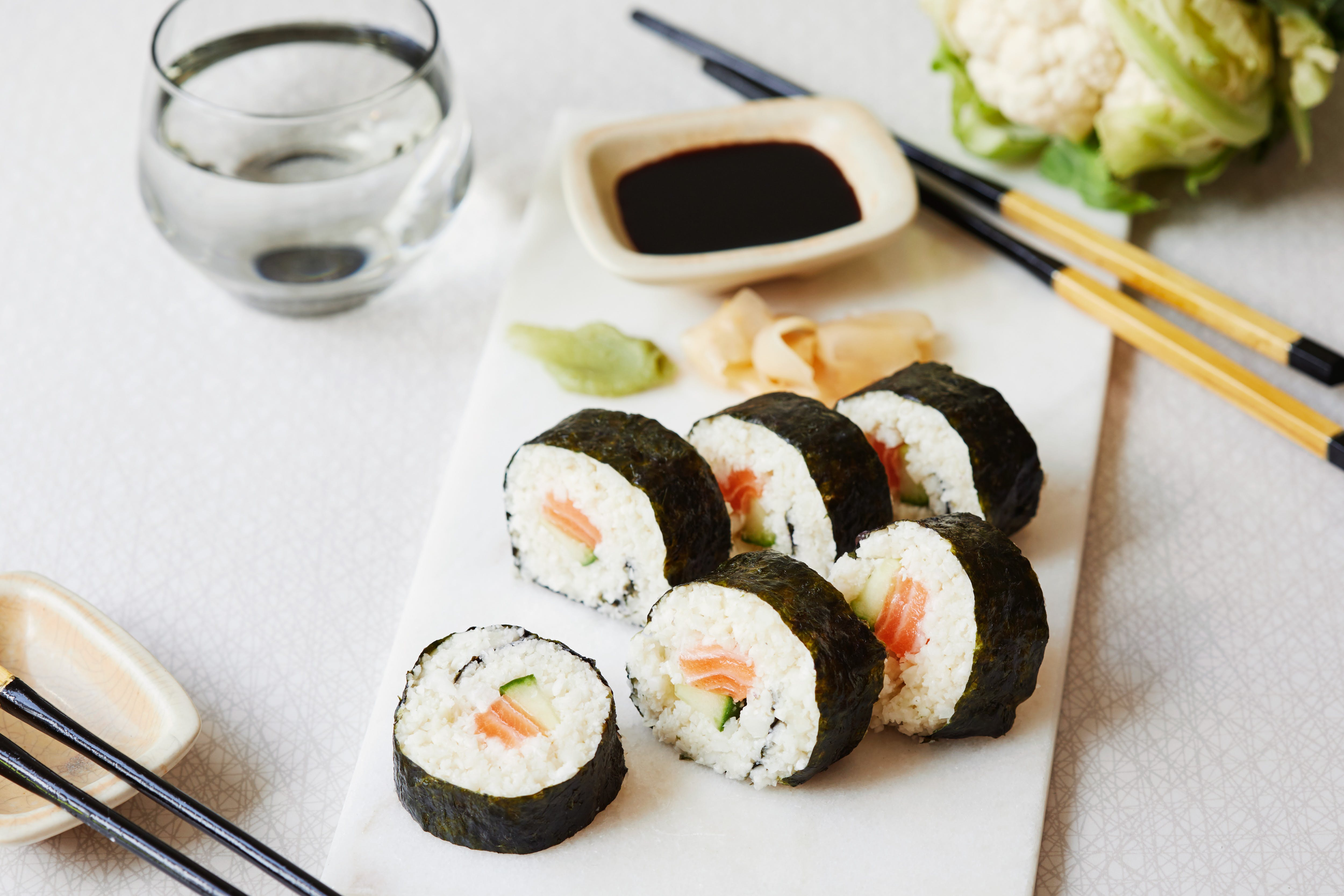 Low-carb sushi rolls