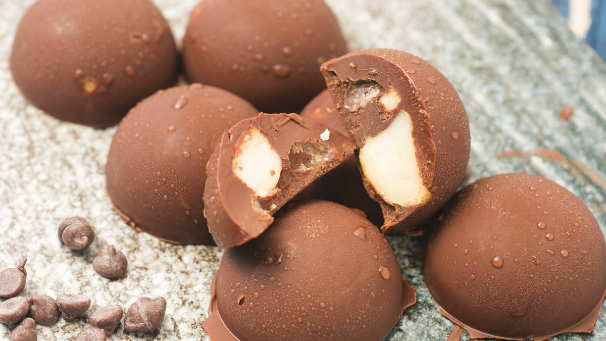Keto chocolate macadamia nut fat bombs